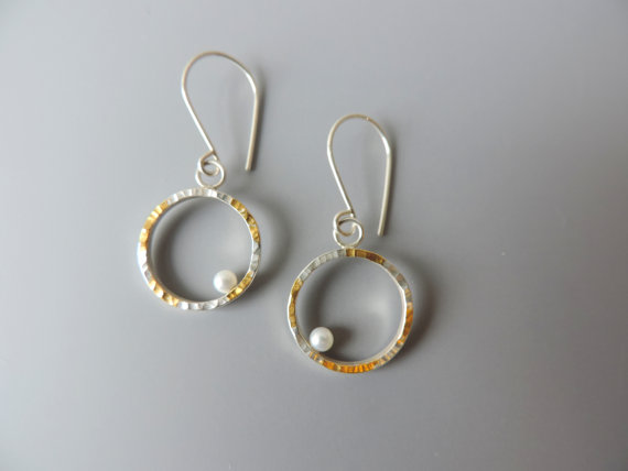 wedding pearl earring for contemporary brides
