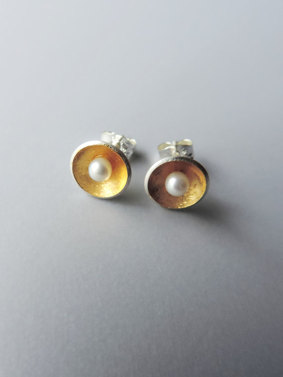 dainty and elegant silver and gold mixed metal pearl earrings designed for the bride