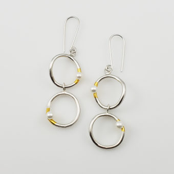 pearl hoop mixed metal earrings