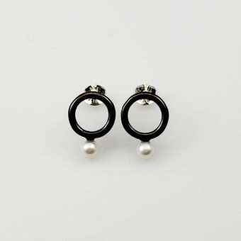 dark metal pearl post earings